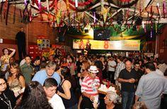 Casa cheia. Você gosta de samba? Visite o Traço de União (SP). http://www.tracodeuniao.com.br