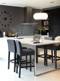 dark gray small contemporary kitchen - the dark walls contrasted with white floors, cabinets, and countertops expands the feeling of this small space Contemporary Decorative Pillows, Contemporary Home Decor, Kitchen Contemporary, Kitchen Interior, Kitchen Design, Kitchen Table Bench, Kitchen Seating, Grey Kitchens, Grey Flooring