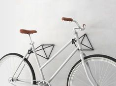 Soporte bici Bike Hooks, Bike Hanger, Bicycle Rack, Three Wheel Bicycle, Bike Wall Mount, Bike Storage Rack, Welding Art Projects, Home Organisation, Bike Parking