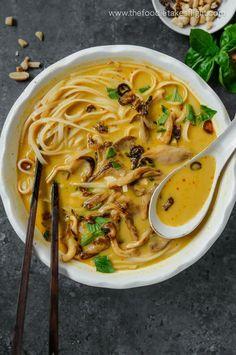 Peanut Satay Noodle Soup - The Foodie Takes Flight Tofu Recipes, Delicious Vegan Recipes, Asian Recipes, Ethnic Recipes, Chinese Recipes, Noodle Recipes, Dinner Recipes, Tasty, Kitchens