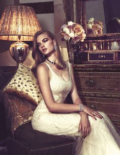 A glamorous lifefeminine furniture,guilty pleasures,sexy furniture. Elegant White Dress, Elegant Outfit, Glamour, Luxury Lifestyle Fashion, Lifestyle Trends, Moda Chic, Mode Editorials, Rodeo, Love Fashion