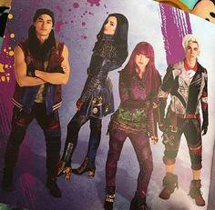 Descendants Wicked World, Disney Channel Descendants, Descendants Cast, Disney Channel Shows, Disney Xd, Disney And Dreamworks, Seoul, Disney Princess Ages, Disney Headbands