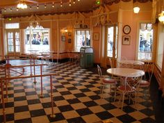 images of old fashioned ice cream parlor - Yahoo Search Results