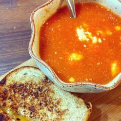 Smoky Tomato and Goat Cheese Soup - Vegetarian and Gluten Free Vegetarian Soups, Gluten Free Vegetarian Recipes, Meatless Recipes, Gf Recipes, Gluten Free Cooking, Free Recipes, Cooking Recipes, Healthy Recipes, Cheese Soup