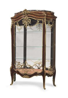 A FINE FRENCH ORMOLU-MOUNTED KINGWOOD VITRINE BY FRANCOIS LINKE, INDEX NUMBER 905, THE MOUNTS DESIGNED BY LEON MESSAGE, PARIS, CIRCA 1900