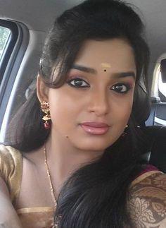 Beautiful Girl In India, Beautiful Blonde Girl, Most Beautiful Indian Actress, Beautiful Women, Cute Beauty, Beauty Full Girl, Beauty Women, Indian Natural Beauty, Indian Beauty Saree