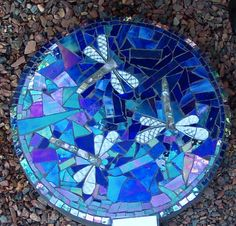 Another beautiful mosaic stepping stone on my crafting agenda.