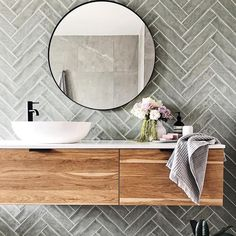 Bathroom decor for the master bathroom renovation. Learn bathroom organization, bathroom decor a few ideas, master bathroom tile ideas, bathroom paint colors, and much more. Bathroom Goals, Laundry In Bathroom, Bathroom Renos, Bathroom Storage, 50s Bathroom, Bathroom Basin, Washroom, Bathroom Vanities, Bathroom Organization