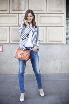 Mi camisa DIY. Jeans and blazer. DIY shirt. Street style outfits. Looks de street style. Fashion Blogger.
