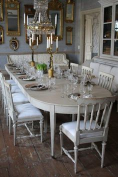 Top Swedish Scandinavian Farmhouse Style for Your Home and Apartment (No - House Inspiration Dining Room Design, Gustavian Decor, Scandinavian Dining Room, Gustavian Style, Swedish Interiors, Home Decor, House Interior, Swedish Decor, Gustavian Furniture