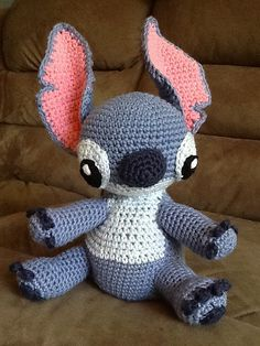 from Lilo and Stitch pattern by Sweet N' Cute Creations Crochet Disney, Disney Crochet Patterns, Amigurumi Patterns, Crochet Designs, Crochet Gratis, Crochet Dolls, Crochet Yarn, Lilo Und Stitch, Loom Craft
