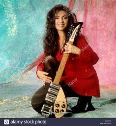 Susanna Hoffs, Michael Steele, Female Rock Stars, Rock And Roll Girl, Z Music, Sheryl Crow, Women Of Rock, Guitar Girl, Rock Legends
