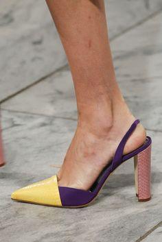 Carolina Herrera, Primavera/Estate New York, Womenswear Fancy Shoes, Me Too Shoes, Slingback Shoes, Shoes Sandals, Popular Shoes, Carolina Herrera, High Heel Pumps, White Shoes, Types Of Shoes