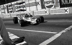 LIGIER JS7 JACQUES LAFFITE LONG BEACH US GRAND PRIX WEST PHOTOGRAPH 1978 GITANES