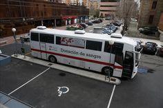 En España se ha privatizado la sangre. 'Lo que tú donas, ellos lo venden', es el grito de lucha. Ojo con la cuestión porque hablamos de no…