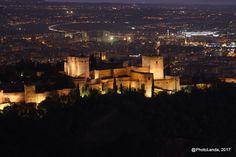 Alhambra at night   #PhotoLanda #granada #andalucia #andalusia #archictecture #islamicarchitecture #arquitectura #nasri