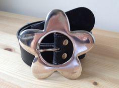 Vintage fabulous flower power daisy silver buckle black leather belt M by Bluetwinklecat on Etsy
