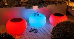 Le Bubble s'utilise comme siège ou comme table d'appoint. Ce meuble très pratique multifonctions, apportera une touche de lumière et de modernité que ce soit à l'intérieur ou à l'extérieur de chez vous.MOREE su www.spot-lumiere-led.com