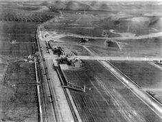 Vintage San Fernando Valley - Girard (Woodland Hills) looking east at the intersection of Ventura Boulevard and Topanga Canyon Boulevard, 1922 California History, Vintage California, Southern California, Ventura Boulevard, Topanga Canyon, San Luis Obispo County, San Fernando Valley, Canyon Road, Woodland Hills