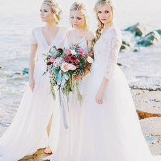 Attention brides! So excited to announce we will be having a @floraandlane trunk show soon! These gowns are absolutely STUNNING! Can't wait to see their brand new collection next month!  #floraandlane #floraandlanetrunkshow #villagebridal #villagebridalhomewood