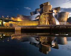 The Guggenheim Museum (Bilbao) by Frank O. Contemporary Architecture, Amazing Architecture, Art And Architecture, Guggenheim Museum Bilbao, Museum Architecture, Residential Architect, Deconstructivism, Frank Gehry, Amazing Buildings