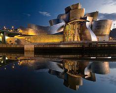 Museo Guggenheim de Bilbao, Spain