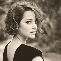 I am obsessed with this beautiful woman. . Marion Cotillard. she is so elegant on screen and everything seems effortless for her as an actress.