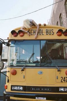 Life hacks : avoid missing the bus plus laying down & sleeping on the road to school aka jail