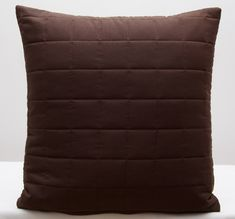 Tmavo hnedé ozdobné obliečky na vankúšiky Throw Pillows, Bed, Toss Pillows, Cushions, Stream Bed, Decorative Pillows, Beds, Decor Pillows, Scatter Cushions