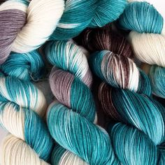 On BFL (Bluefaced Leicester) for the first time Cleopatra colors. In the next shop update sometime in the next few days...