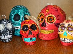 November 1 & 2   2-4pm Plaster Sugar Skull Decorating!  http://sddayofthedead.org/workshopsugarskull.htm#