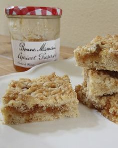 South African Apricot Jam Cookie Squares - OrnaBakes #farfelbiscuits #farfelcake #apricotjamsquares #southafricanrecipes #southafricandesserts #southafrican