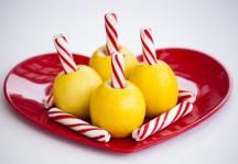 Lemon Twizzlers - 5 minute after-school snack. Use the old-fashioned peppermint stick as a sweet straw for the lemon juice. Also works well with oranges. #DixieCrystals #KidRecipes