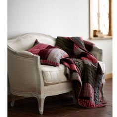 Winterberry Quilt and Sham