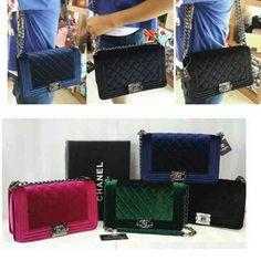 Chanel leboy velvet seprem+box IDR 255rb size 26x9x16 suede warna: red, green, blue, black. CP: Risa - 089608608277