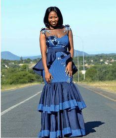 Top shweshwe dresses with apron - Reny styles shweshwe dresses with apron Best African Dresses, African Wear, African Fashion Dresses, Setswana Traditional Dresses, Seshweshwe Dresses, African Wedding Attire, Africa Fashion, Designer Dresses, Women Wear