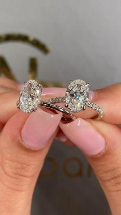Diamond Solitaire Rings, Oval Diamond, Blue Diamond Rings, White Gold Diamonds, Emerald Rings, Ruby Rings, Uncut Diamond, Diamond Pendant, Dream Engagement Rings