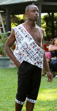 Stylist - Meni Mbugha for VIVVYA Model - Idriss T. Make-Up - Arlette M Photo Credits - SOKO SOKO Bazar / VIVVYA (by C. PEPIN)