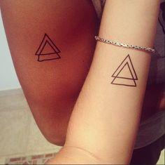 Triangle tattoo : http://dcer.eu/fr/tatouages/11-triangle-tattoo.html From @Adictaalarisa