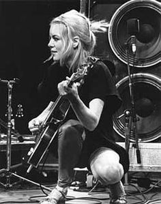 Tina Weymouth, Talking Heads 1980 photo by Chris Walter
