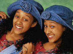 Like most sisters, Tia and Tamera Mowry fight all the time. Unlike most sisters, they are now doing so on national television. Cory Matthews, Best Sister, Buffy Summers, Boy Meets World, Hallmark Filme, Disney Channel, Glee, Sisters Tv Show, Backgrounds