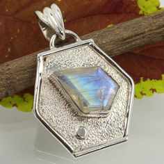 Real Fire RAINBOW MOONSTONE Gemstone Antique Jewelry Pendant 925 Sterling Silver #Unbranded #Pendant