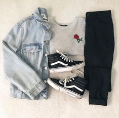 Perfect for anywhere! Swag Outfits For Girls, Teen Girl Outfits, Girls Fashion Clothes, Winter Fashion Outfits, Retro Outfits, Cute Casual Outfits, Stylish Outfits, Tumblr Outfits, Mode Style