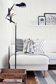 There are various secrets to make Scandinavian style. You can use these nine ideas to create a stunning Scandinavian interior design in your home. Monochrome Interior, Scandinavian Interior Design, Home Living Room, Living Spaces, Living Room Scandinavian, Scandinavian Style, Nordic Living, Home And Deco, Interior Design Inspiration