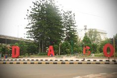 D.A.G.O is spelled fun and creativity in Bandung, this very spot is where various communities and youth of Bandung chill out on the weekend.