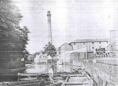 Nostalgic Cambridge Quayside Punting