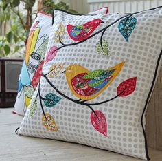 ideas for patchwork cushion applique Applique Cushions, Patchwork Cushion, Sewing Pillows, Quilted Pillow, Diy Pillows, Applique Quilts, Decorative Pillows, Throw Pillows, Applique Patterns