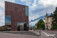 Winecenter der Kellerei Kaltern – Kaltern, Südtirol, Italien #wine #architecture #italy #kaltern #chrisrebok #winearchitecture