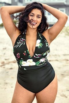 Hit the beach with our Floral Print Halter Plus Size One Piece Swimsuit. Lace up halter design ensures you can find your fit, deep v-neck design shows off your curve. Floral and leafy print puts more fun for it. Bikini Swimwear, Bikini Tops, Fashion Shopping Apps, Plus Size One Piece, Haut Bikini, Striped One Piece, Monokini, Women Swimsuits, Striped Bikini