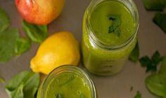 Recept na vodu, ktorá doslova vyplaví tuk z vášho tela - Mega chudnutie Healthy Breakfast Recipes, Healthy Eating, Healthy Recipes, Healthy Food, Juice Smoothie, Smoothie Recipes, Vitamix Recipes, Pumpkin Smoothie, Green Pumpkin